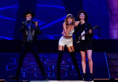 taylor-swift-beck-st-vincent.jpg